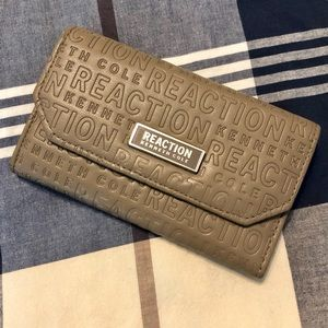 Kenneth Cole Reaction Embossed Trifold Wallet